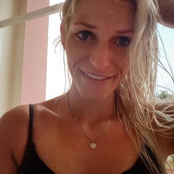 42 jarige vrouw zoekt seksueel contact in Noord-Brabant