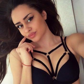 20 jarige Vrouw wilt sex