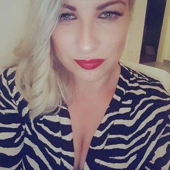 sexcontact met Blondjekontje