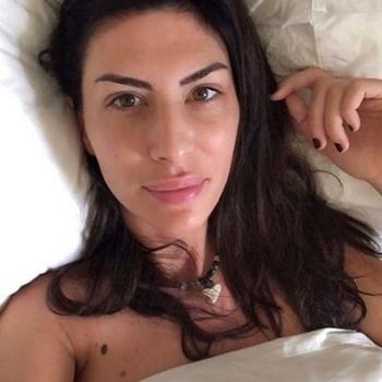 Sexdate met NoMoRe - Vrouw (25) zoekt man Vlaams-brabant