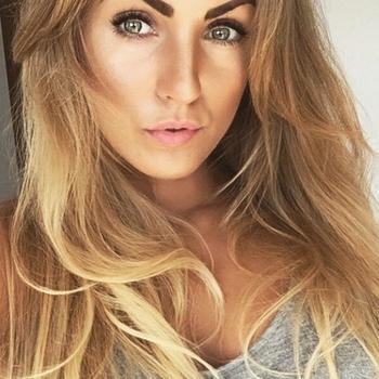 Sexdate met Nestje - Vrouw (28) zoekt man Het Brussels Hoofdst