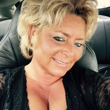 57 jarige vrouw zoekt man in Overijssel