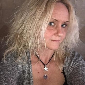 54 jarige vrouw zoekt man in Flevoland