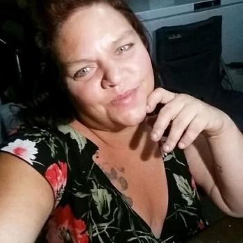 Loesx, 56 jarige vrouw zoekt seks in Utrecht