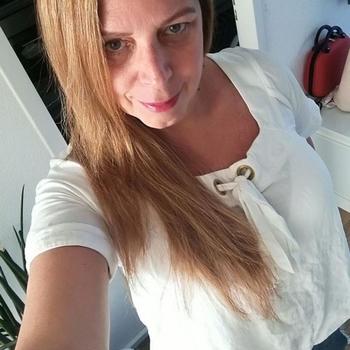 52 jarige vrouw, ROmandy zoekt sexcontact met man in Groningen
