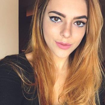 Vrouw (22) zoekt sex in Waals-Brabant
