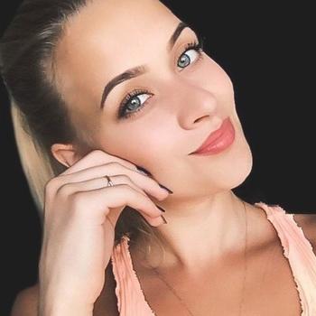 25 jarige Vrouw zoekt sex in Almelo