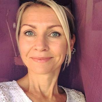 Vrouw (41) zoekt sex in Zuid-Holland
