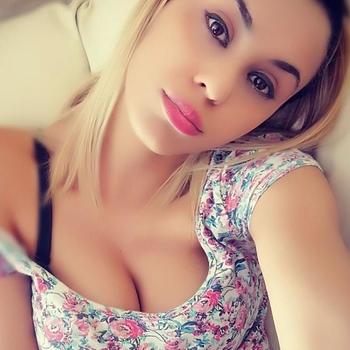 sexdating met ToppieAnga