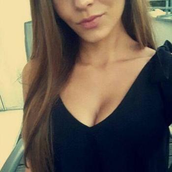 Kleinmeisje 23 jaar uit Noord-Brabant