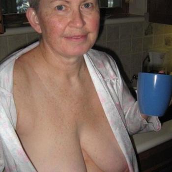 Grannyhot