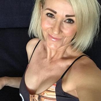 56 jarige vrouw, Hunkerbunker zoekt contact met mannen in Utrecht voor sex!