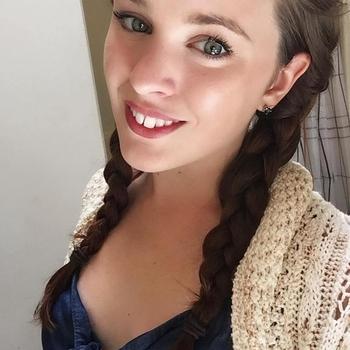 Een keertje neuken met 23-jarig tienerje uit Zuid-Holland