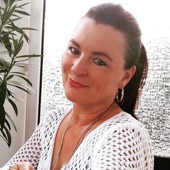 Bi_Heleentje, 55 jarige vrouw zoekt sex in Gelderland