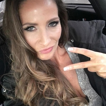 Sex met Lidie, meld je gratis aan en maak snel geil contact