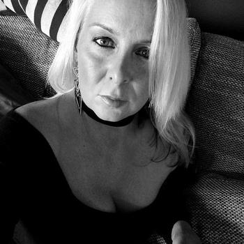 53 jarige vrouw, Nania zoekt sexcontact met man in Utrecht