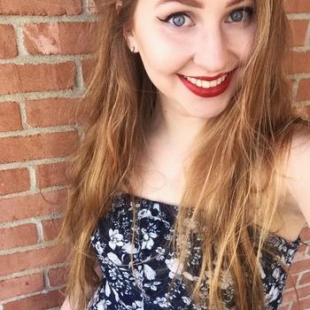 Geil neuken met een  21-jarig tienerje uit Zuid-Holland
