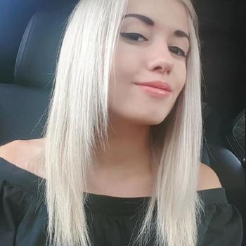 Sexdate met Minamona - Vrouw (20) zoekt man Vlaams-brabant