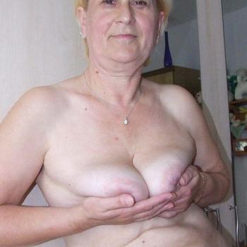 Ini, 55 jarige vrouw zoekt sex in Zuid-Holland