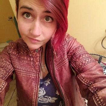 Sexdate met Fenna - Vrouw (23) zoekt man Luik