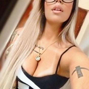 sexcontact met Maitey