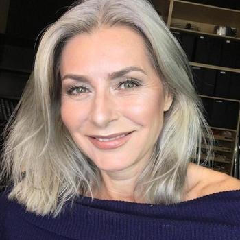 Sex hebben met 53-jarig omaatje uit Zuid-Holland