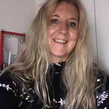 62 jarige vrouw, Lonelolga zoekt contact met mannen in Utrecht voor sex!