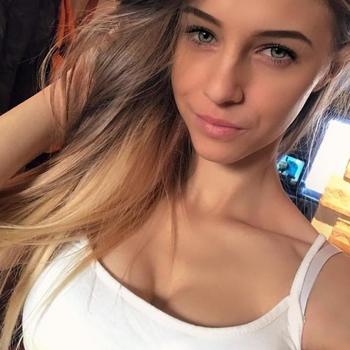 sexcontact met Estee