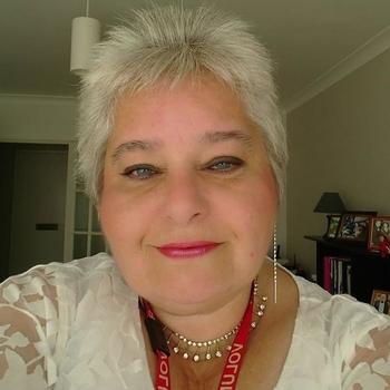 63 jarige vrouw, EmilyG zoekt contact met mannen in Noord-Holland voor sex!