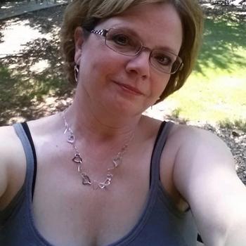 61 jarige vrouw zoekt seksueel contact in Gelderland