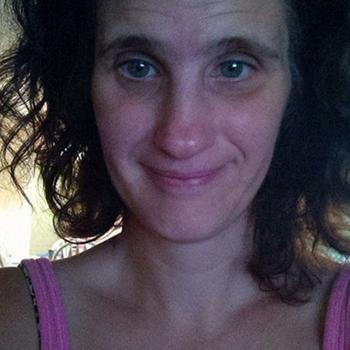 Tindralina, vrouw (62 jaar) wilt contact in Overijssel