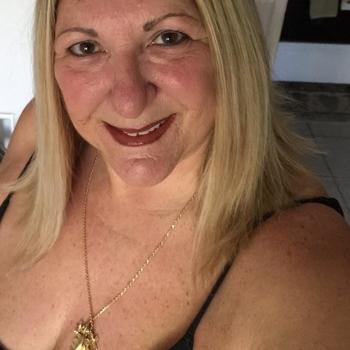 Een keertje neuken met 55-jarig omaatje uit Limburg