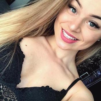 Lekker naaien met een 18-jarig meisje uit Gelderland