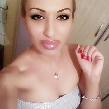 23 jarige vrouw zoekt man in Limburg