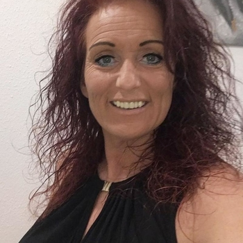 Jayani, 58 jarige vrouw zoekt seks in Friesland