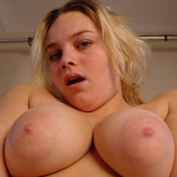 Stefanie24