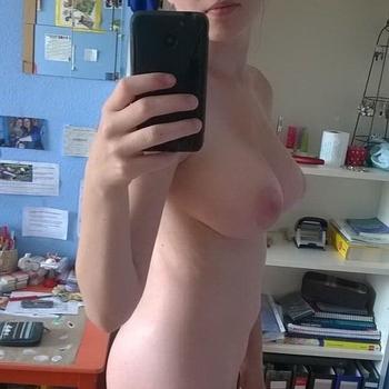 Nieuwe sex date met 18-jarige vrouw uit West-Vlaanderen