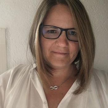 56 jarige vrouw, Jura zoekt sexcontact met man in Zuid-Holland
