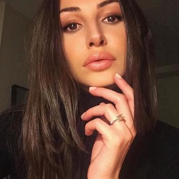 Sexdate met Blowwie - Vrouw (21) zoekt man Noord-Holland