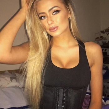 BlondeDeborah