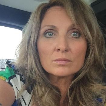50 jarige vrouw zoekt man in Overijssel