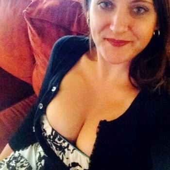 35 jarige vrouw uit Nooordink zoekt sex