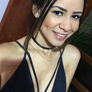 sexcontact met  Roxanna