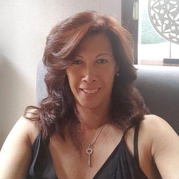 sexcontact met Leonike