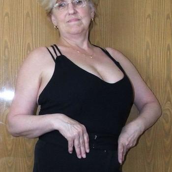 Sexdate met Vika - Vrouw (61) zoekt man Noord-Brabant