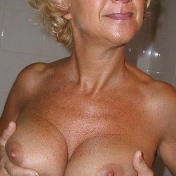Gratis naar bed met deze 57-jarig omaatje uit Friesland
