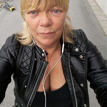 62 jarige vrouw, Xena zoekt contact met mannen in Zuid-Holland voor sex
