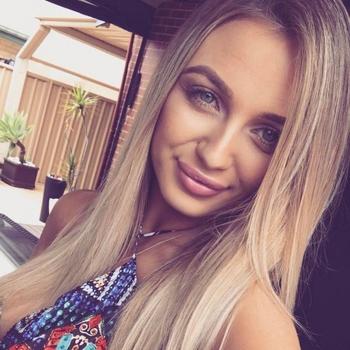 Sexdate met Yvonneke - Vrouw (20) zoekt man Het Brussels Hoofdst