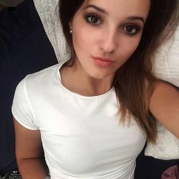 Stephany (19) uit Brussel