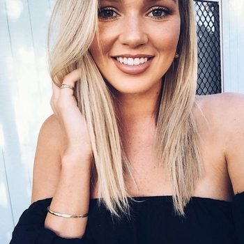 Sexdate met kalmtestorm - Vrouw (24) zoekt man Drenthe